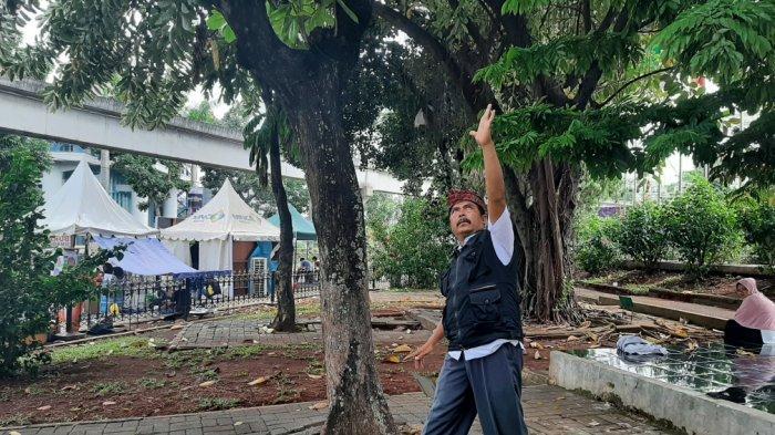 BMKG Prediksi Hujan, Ini Cara Mbah Rebo Pawang Hujan TMII Tangkal Hujan Turun di Malam Tahun Baru