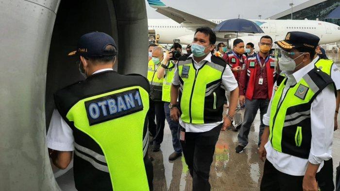 Menteri Perhubungan (Menhub) Budi Karya Sumadi melakukan pengecekan atau ramp check di Bandara Soekarno-Hatta pada Minggu (1/11/2020) petang.