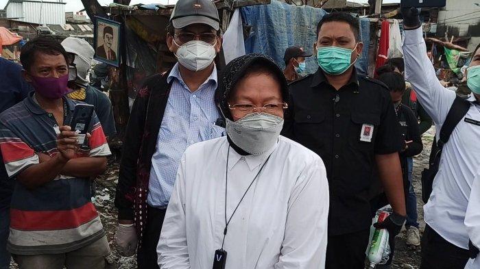Mensos Risma Pantau Aktivitas Pemilahan Sampah di Permukiman Pemulung Kalibaru