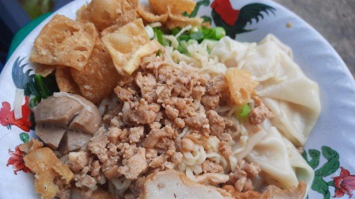 Mie Ayam Obor, Kuliner Legendaris di Jakarta Pusat Sejak 1980-an: Tawarkan Setumpuk Toping Beragam