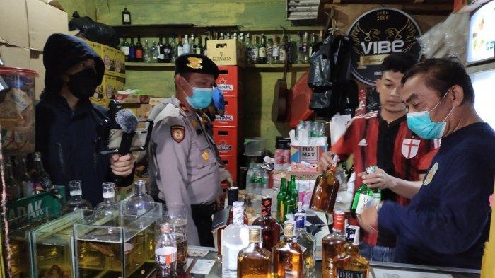 122 Botol Miras Disita Petugas Saat Operasi Yustisi dan Cipta Kondisi di Wilayah Jakarta Timur