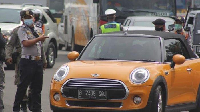 Ayu Ting Ting kena ganjil genap di Kota Bogor, Sabtu (6/2/2021).