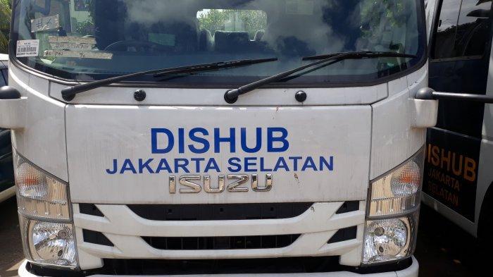 Dishub Jaksel Tambah Mobil Derek Tiap Kecamatan Tertibkan Parkir Liar Tahun 2019