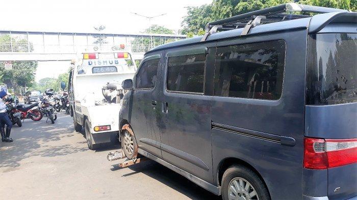 Buat Pemilik Mobil yang Parkir Sembarangan, Sudinhub Jaksel Tambah 10 Mobil Derek Setiap Kecamatan