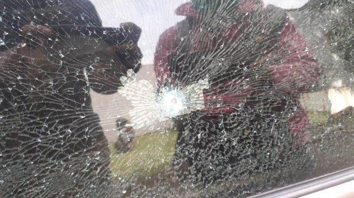 Warga Bukit Serpong Mas Tangsek Diteror, Sedan Mercedes-Benz Terparkir Ditembak Orang Tidak Dikenal