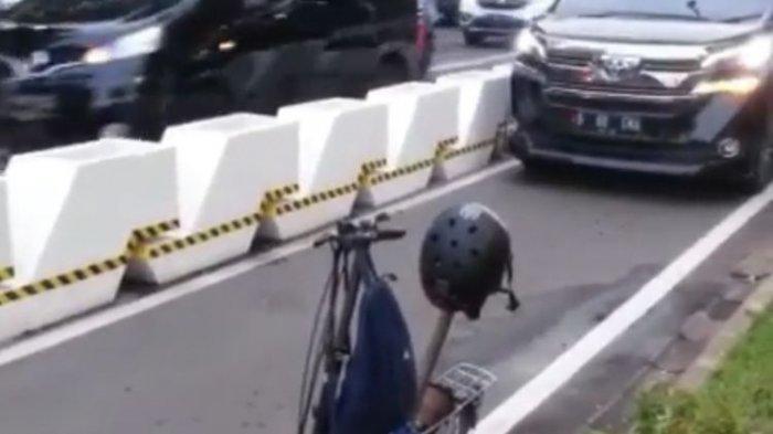 Viral Mobil Mewah Masuk Jalur Sepeda Permanen di Jalan Sudirman, Akhirnya Mundur Ada aSepeda Parkir