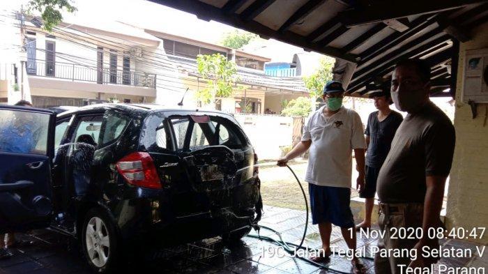 Gara-gara Anak Main Korek Api, Mobil Honda Jazz di Mampang Nyaris Ludes Terbakar