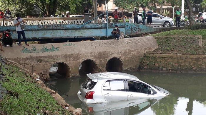 Penyebab Mobil Nyebur ke Kali Bintaro, Sopir Salah Injak Pedal Rem