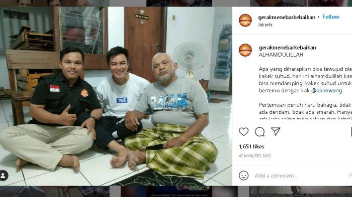 Bersarung Hijau, Kakek Suhud Terima Kedatangan Baim Wong, Suami Paula Verhoeven Tampak Tersenyum