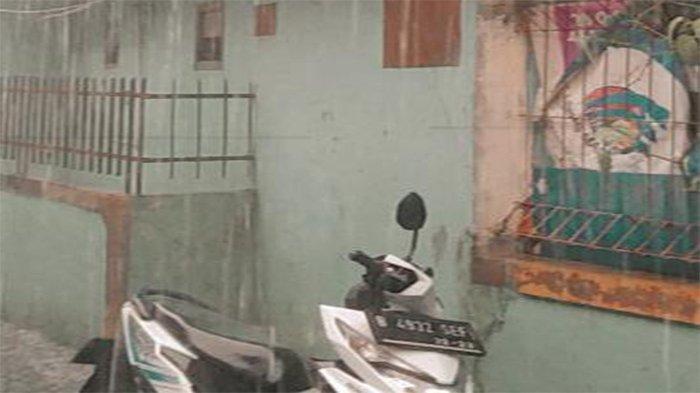 Sepeda motor matic milik Bambang hilang digondol maling. Penampakan motor beat putih yang hilang pada Sabtu (5/6/2021).