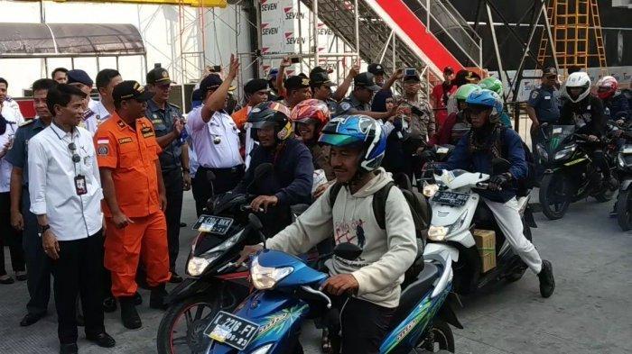 H+8 Lebaran, Peserta Mudik Gratis Kapal Laut Naik Motor Tinggalkan Pelabuhan Tanjung Priok
