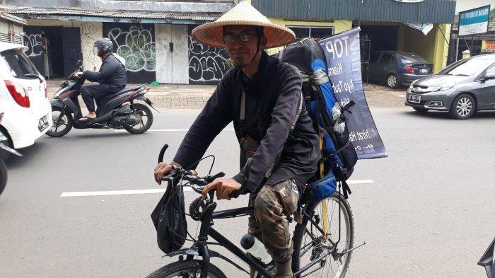 Kayuh Sepeda Dari Bandung ke Jakarta Selama 3 Hari, Pria Ini Sebarkan Ajakan Stop Maksiat