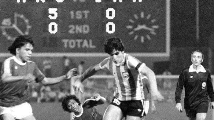 Bertemu di Piala Dunia 1979, Mundari Karya Kenang Duel Lawan Diego Maradona:Jadi Teladan di Lapangan