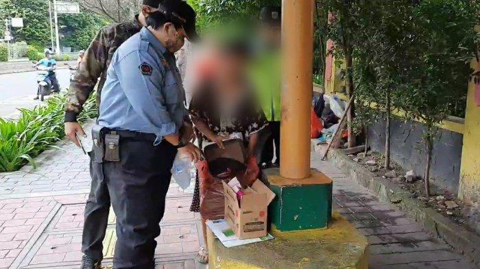 Perempuan Hamil Coba Bunuh Diri di JPO Otista, Langsung Diamankan Petugas, Sang Adik Tak Rela