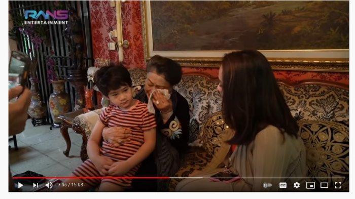 Nenek Raffi Ahmad Menangis saat Peluk Rafathar Sambil Ungkap Ini, Nagita Slavina Ikut Bersedih