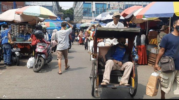 Menikmati Angin Sepoi-Sepoi Sambil Menjajal Serunya Naik Becak di Bogor