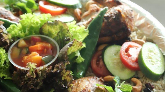 Kuliner Khas Timur Tengah Porsi Besar Jadi Menu Andalan Novotel Tangerang Berbuka Puasa di Rumah