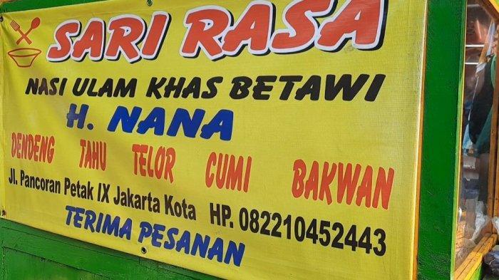 Nasi Ulam Betawi Haji Nana, yang ada di kawasan Pancoran Petak 9, Jakarta Barat, selalu jadi buruan pembeli.