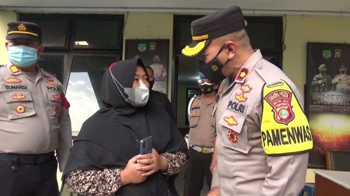 Polisi Kembalikan Ponsel Emak-emak Korban Pencurian di Berlan, Pelaku Masih Buron