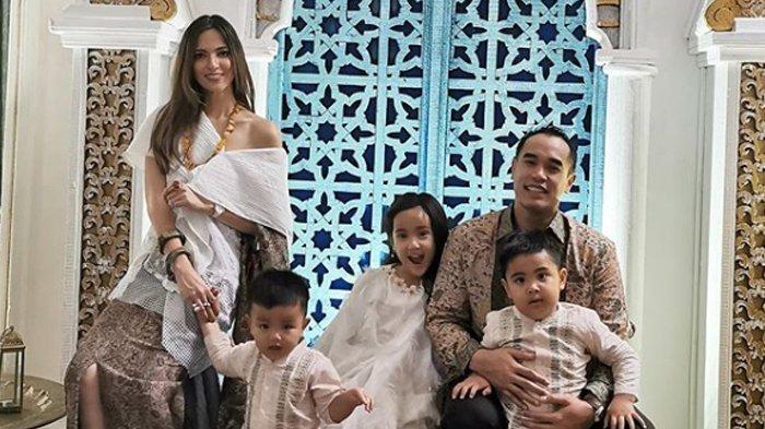 Putra Ardi Bakrie Ngambek Tendang & Pukul Pengasuh, Nia Ramadhani Beri Reaksi Santai: Ih Jelek