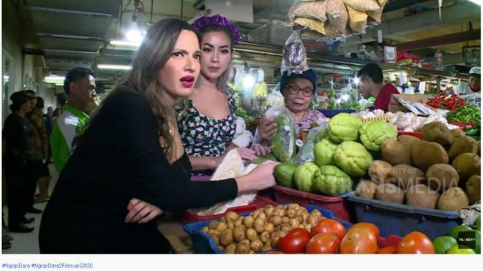 Pertama Kali ke Pasar Bareng Jessica Iskandar, Nia Ramadhani Kebingungan saat Membeli Cabai