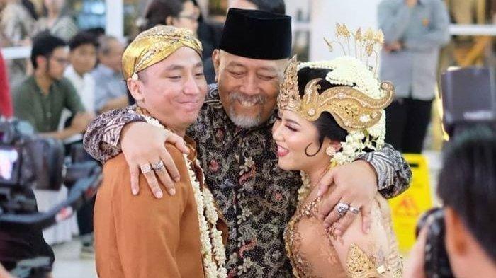 Jadi Saksi Pernikahan Anak Bungsu Dono Warkop, Indro Ungkap Pesan Ini: Gak Berhenti-hentinya Bangga!
