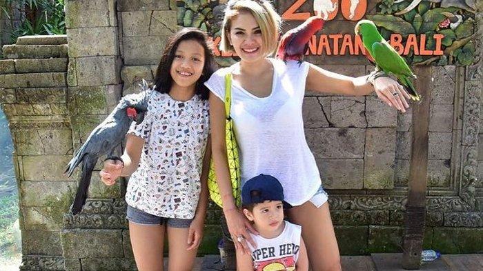 Lihat Ibunya Kerap Begini di Televisi, Putri Sulung Nikita Mirzani Curhat ke ART: Kasian Ya Mimi