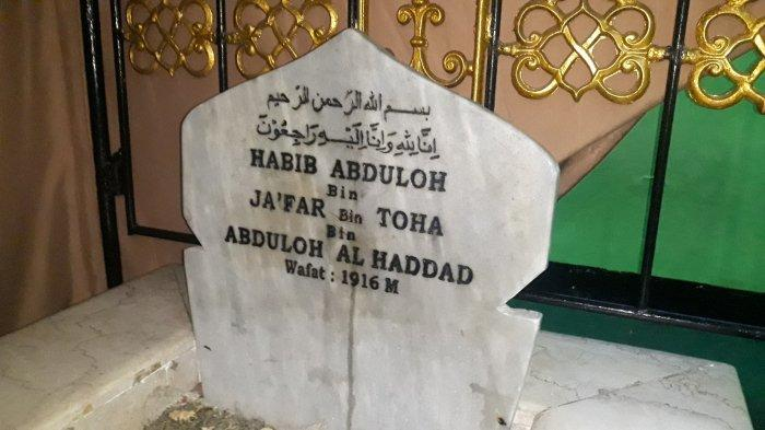Nisan makam Habib Ahmad bin Alwi Al Haddad pada Rabu (14/4/2021),