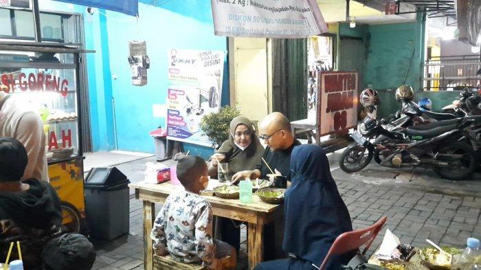 Ketika Novel Baswedan Nikmati Nasi Goreng Tigor Eks Pegawai KPK: Sajian Berintegritas
