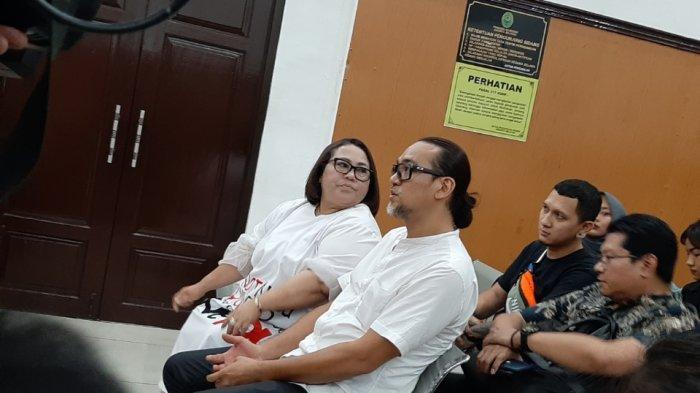 2 Pertimbangan Hakim PN Jaksel Jatuhkan Vonis 1,6 Tahun Rehabilitasi kepada Nunung dan Suami