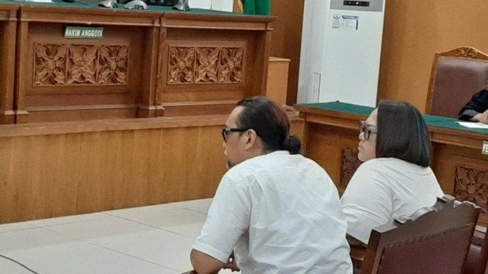 Nunung Terdiam dan Terlihat Lemas saat Dituntut 1 Tahun 6 Bulan Rehabilitasi oleh Jaksa