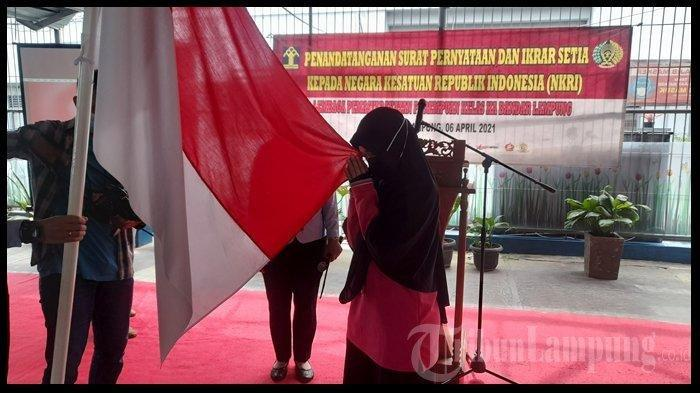 Ketika Anak Mampu Mengubah Napi Teroris Kembali Ikrar Setia ke NKRI, Bendera Merah Putih Tanda Janji