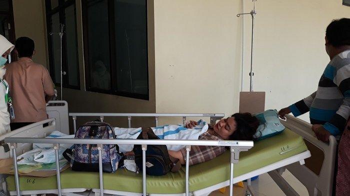 Putrinya Korban Bus Maut di Subang, Junaidi Emosi Beberkan Perlakuan RS: Mukanya Masih Banyak Kaca!