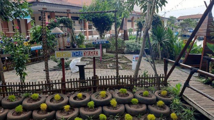 Objek Wisata Situ Rawa Gede di Kelurahan Bojong Menteng, Kecamatan Rawalumbu, Kota Bekasi.