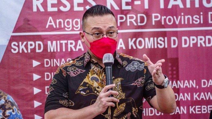 Penataan Trotoar Rp100 Miliar, Anggota DPRD DKI Kenneth: Lebih Baik Dialihkan ke BLT untuk Warga