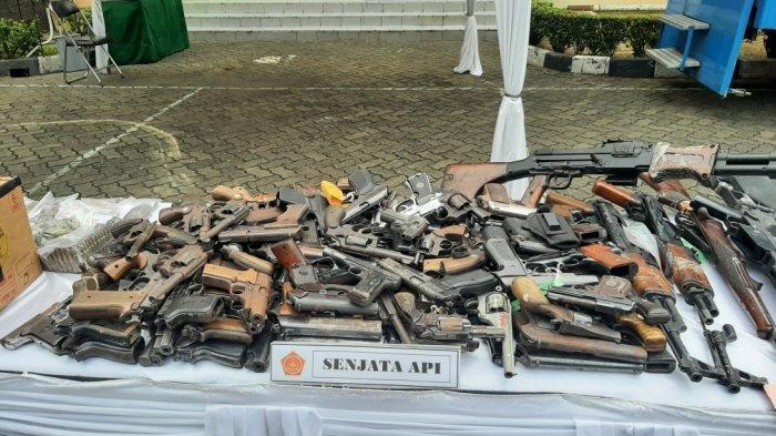 Otmil II-07 TNI Musnahkan Setumpuk Bukti Kasus, Ada Bahan Peledak, Senjata Laras Panjang dan Narkoba - otmil-ii-pemusnahan-2.jpg