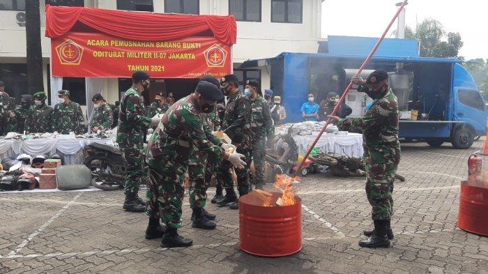Otmil II-07 TNI Musnahkan Setumpuk Bukti Kasus, Ada Bahan Peledak, Senjata Laras Panjang dan Narkoba - otmil-ii-pemusnahan.jpg