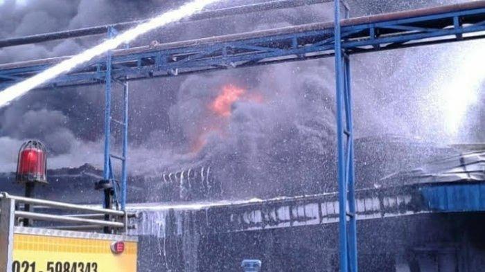BPBD Tangerang Pastikan Pabrik Indofood yang Terbakar Bukan Tempat Produksi Mie