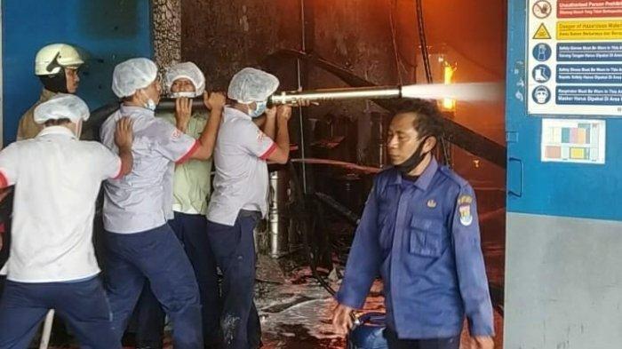 Seluruh Pegawai Aman, Tidak Ada Korban Jiwa Musibah Kebakaran Pabrik Indofood di Tangerang