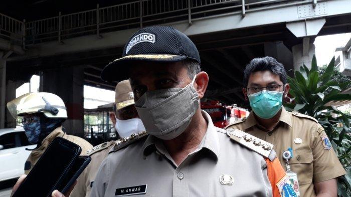 Wali Kota Jakarta Timur Muhammad Anwar saat memberi keterangan di Jatinegara, Senin (28/12/2020).