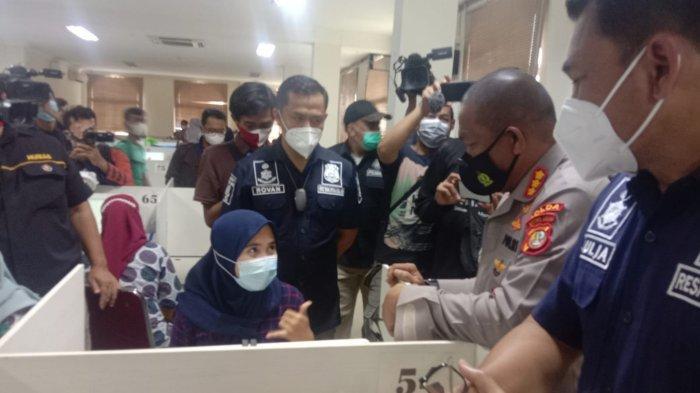 Pinjol di Tangerang Teror Nasabah Pakai Cara Porno Buat Tagih Utang: Bikin Stres Masyarakat