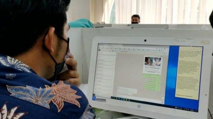 Para karyawan fintech PT ITN berlokasi Green Lake City, Kecamatan Cipondoh, Kota Tangerang yang menggunakan cara kotor mengirimkan gambar porno kepada nasabahnya untuk menagih utang, Kamis (14/10/2021).