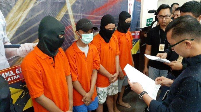 Polisi Selidiki Asal-usul Senjata Tajam dan Stik Golf yang Dibawa Pelaku Pengeroyokan di Mampang