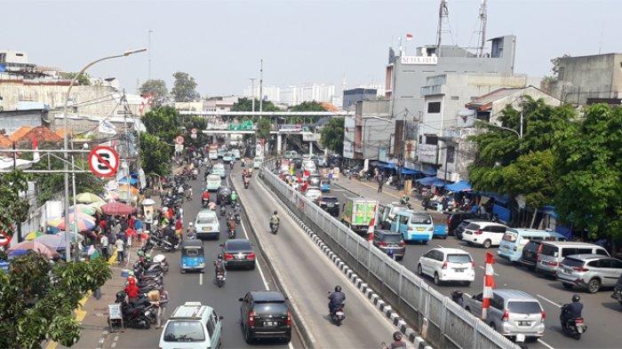 Parkir Liar Sebabkan Kemacetan, Pasar Jatinegara Berniat Bangun Tempat Parkir Bertingkat