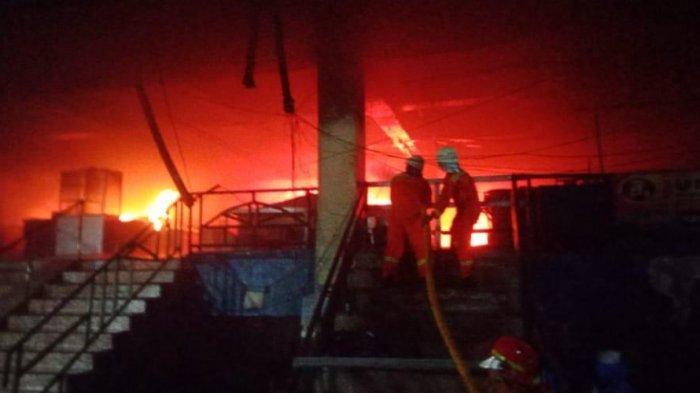 BREAKING NEWS Pasar Inpres di Pasar Minggu Kebakaran, 26 Mobil Damkar Dikerahkan
