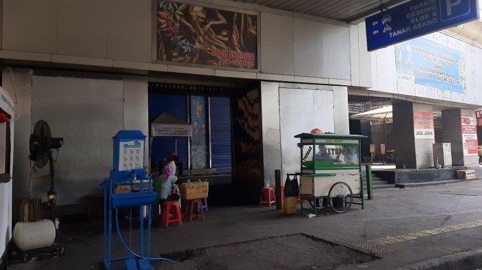 Pedagang Ketoprak di Pasar Tanah Abang Gigit JariSepi Pembeli, Batal Mudik Salam Ini untuk Keluarga