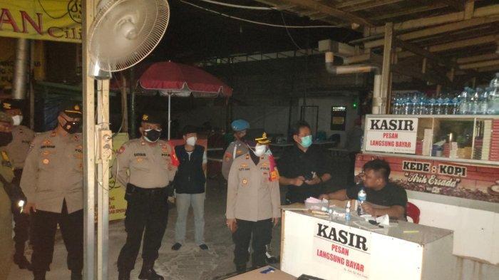 Patroli Prokes, Satgas Covid-19 Kramat Jati Sisir Tempat Karaoke Hingga Lapo