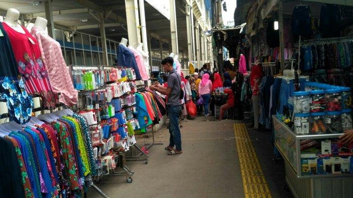 Sempat Ditertibkan, Pedagang di Trotoar Jalan Jatibaru Tanah Abang Jualan Lagi