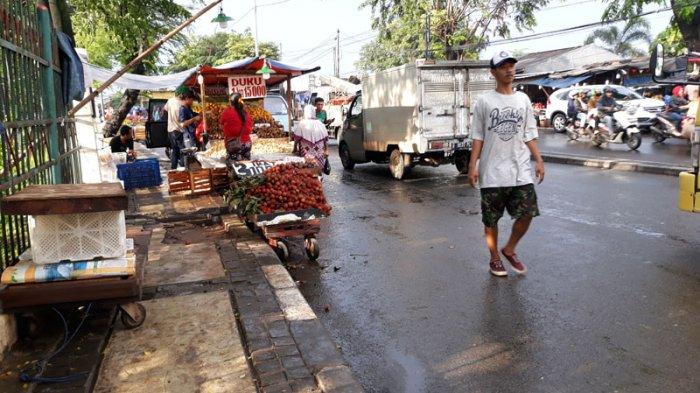 Pemkot Jakarta Timur Bakal Relokasi PKL Buah Dekat Pasar Induk Kramat Jati