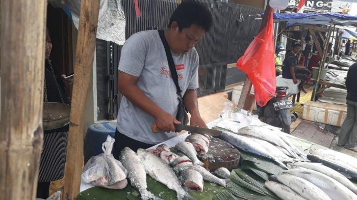 Imbas Banjir, Harga Ikan Bandeng di Rawa Belong Naik Hingga Rp 10.000 Per kilogram